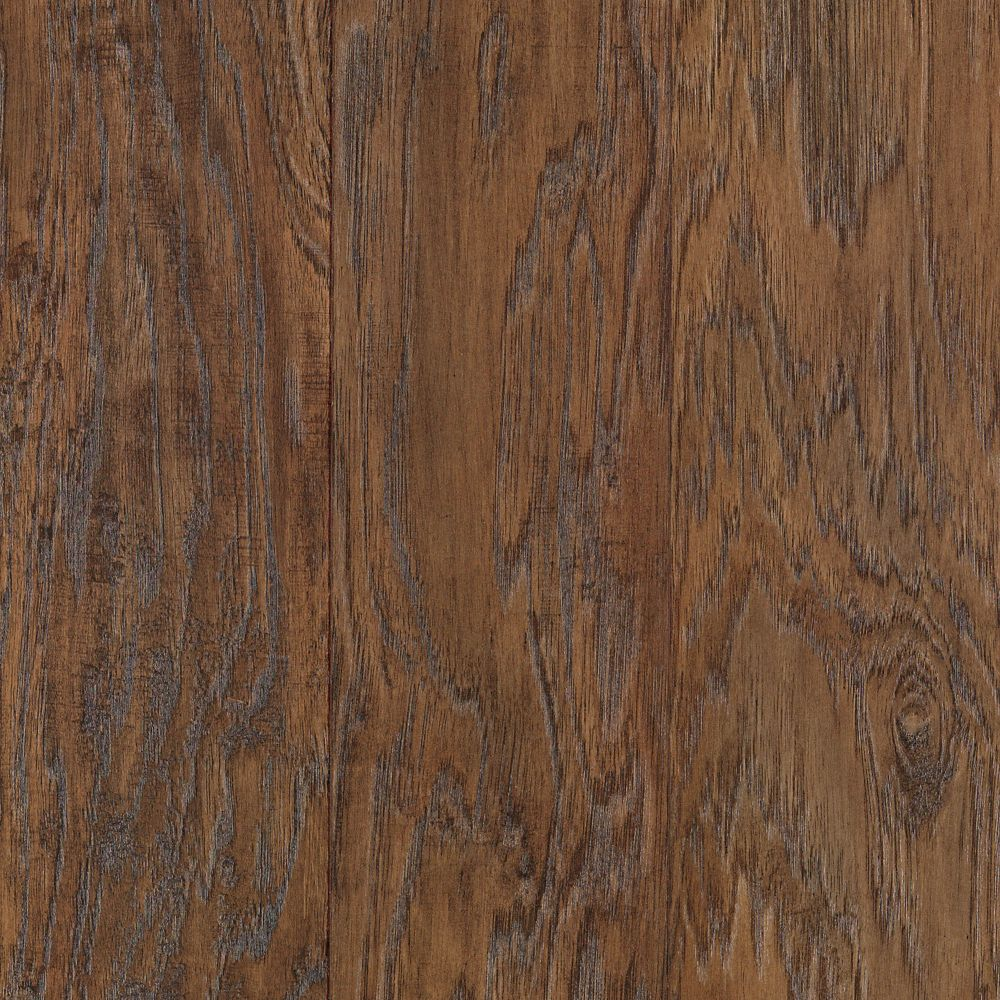 mohawk rev tement de sol stratifi caryer su de rustique browley 4 875 po de large x 47 25 po. Black Bedroom Furniture Sets. Home Design Ideas