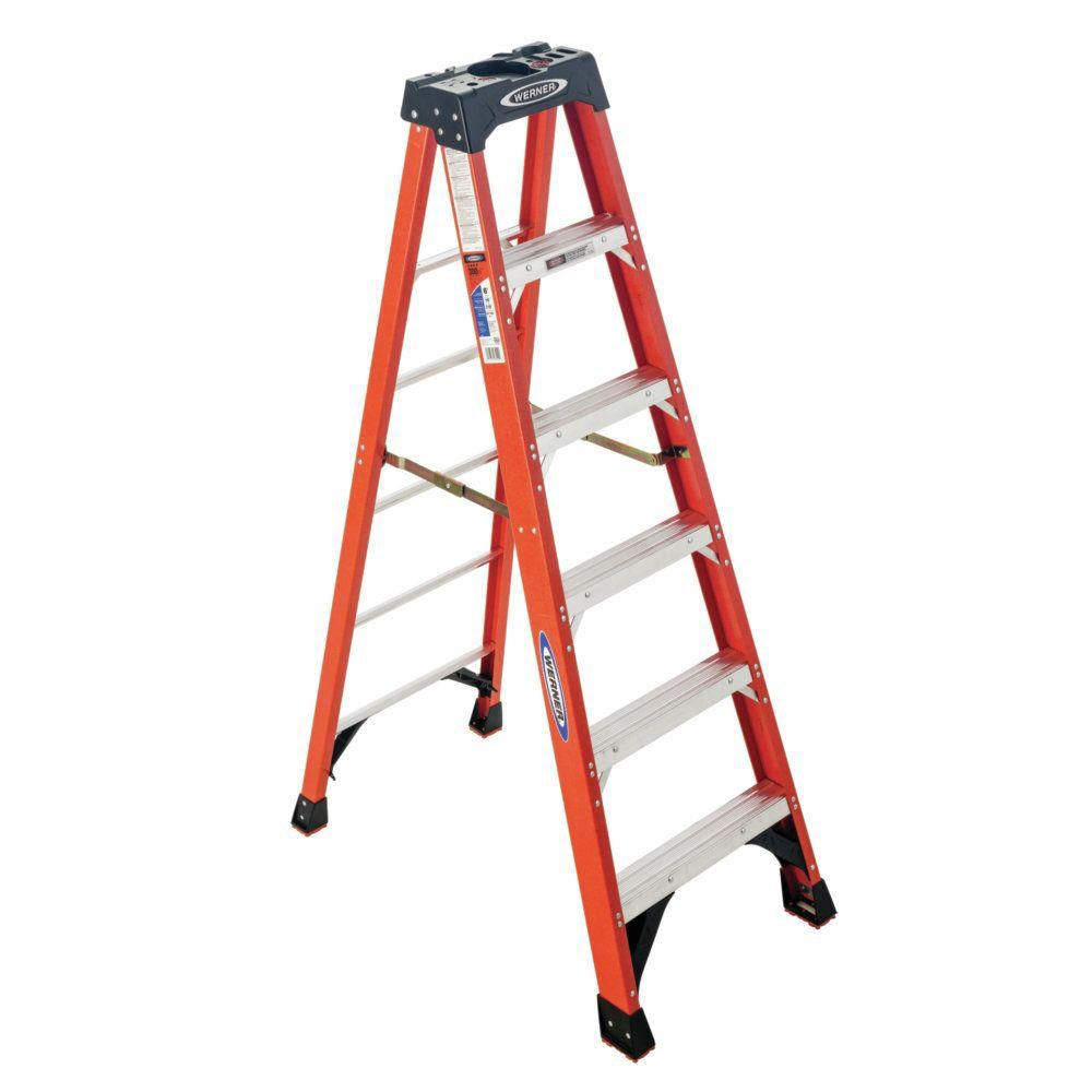 Werner 6-ft. fibreglass Stepladder Grade 1A (300 lbs. Load Capacity)