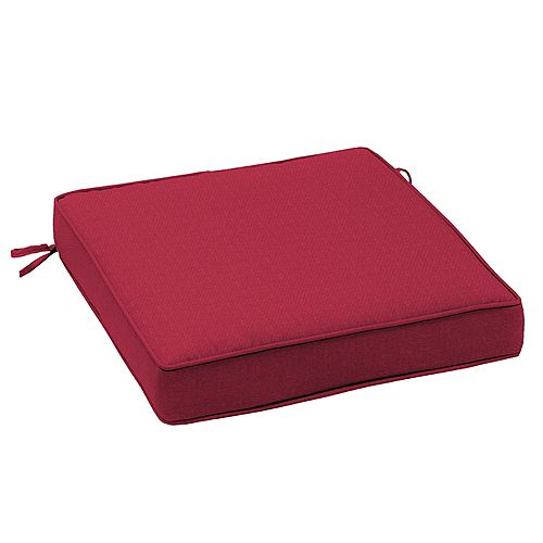 Arden Outdoor Outdoor Seat Cushion in Chili Solid Red
