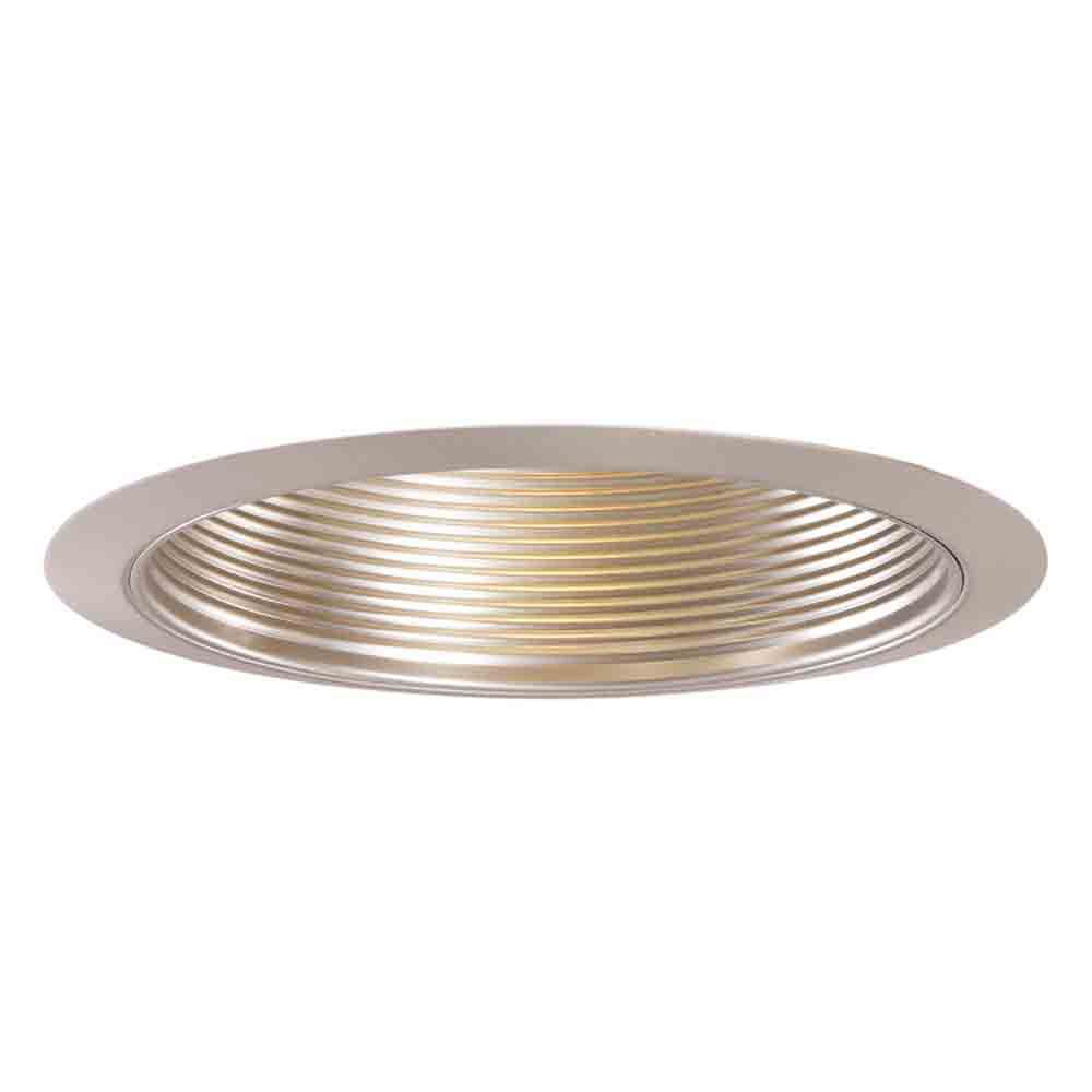 Déflecteur en nickel satiné 5001SN et garniture-ouverture de 5 pouces