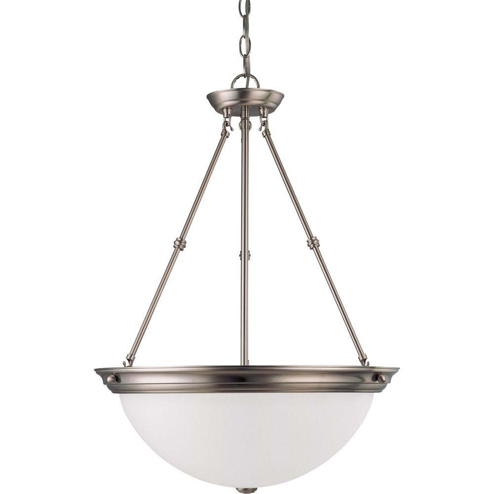 Lustre Glomar à trois ampoules avec abat-jour givré, finition de spécialité