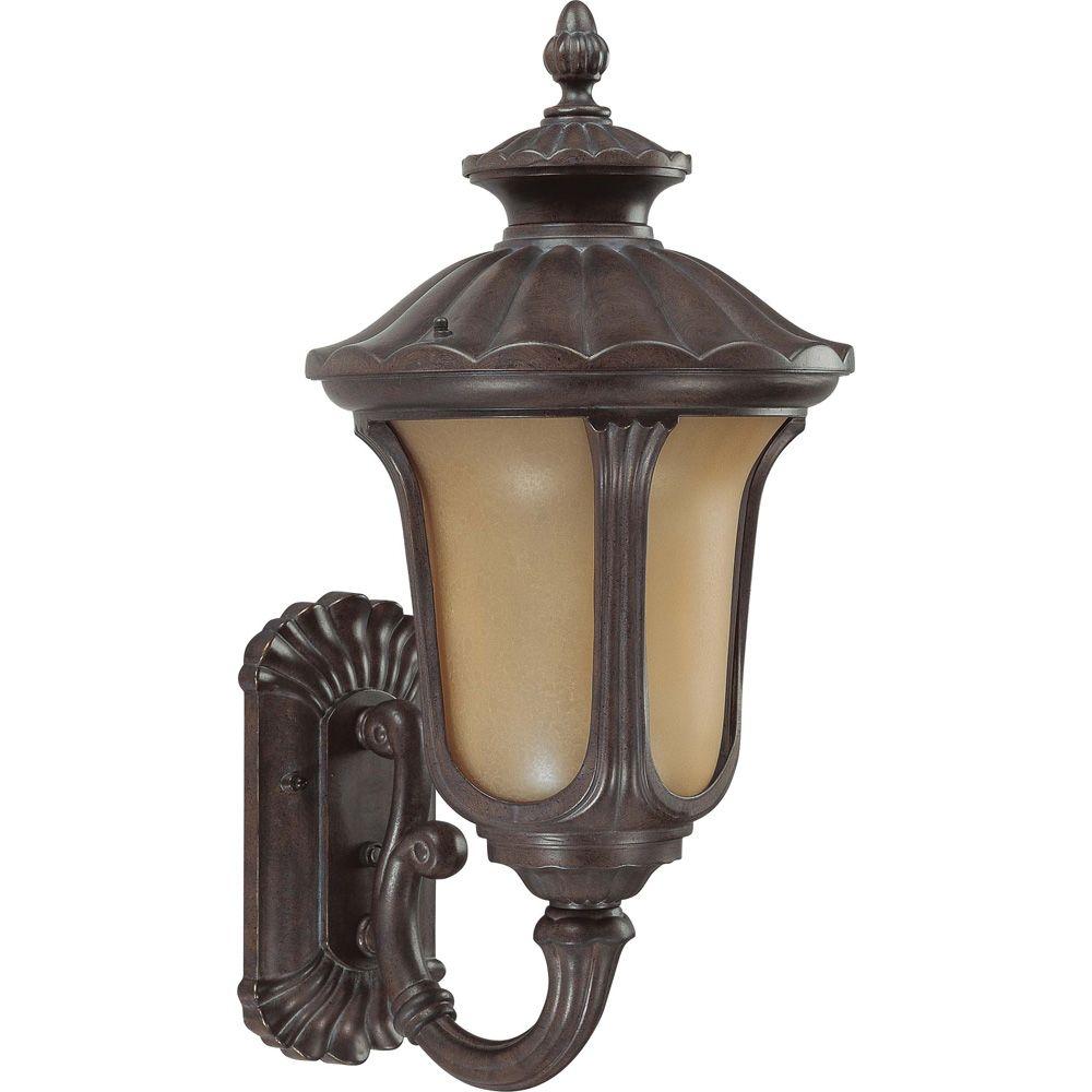 Lumière Glomar fixée au mur à une ampoule avec abat-jour de spécialité, finition de spécialité