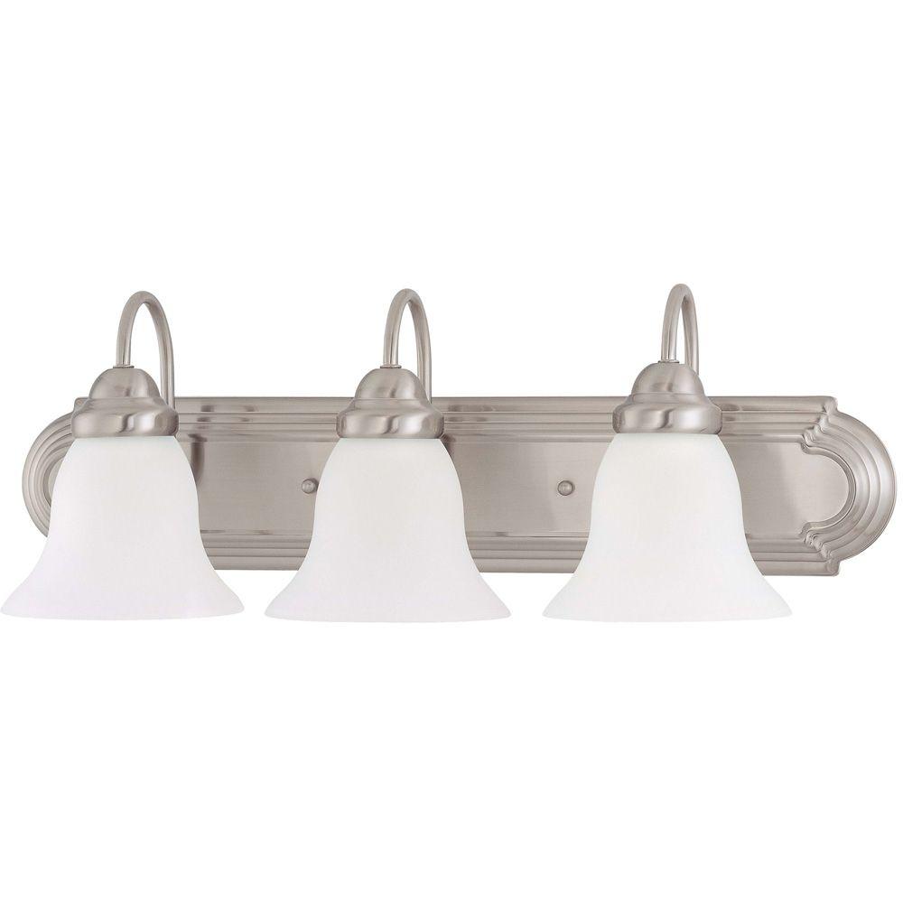Lumière fixée au mur à trois ampoules avec abat-jour givré, finition de spécialité