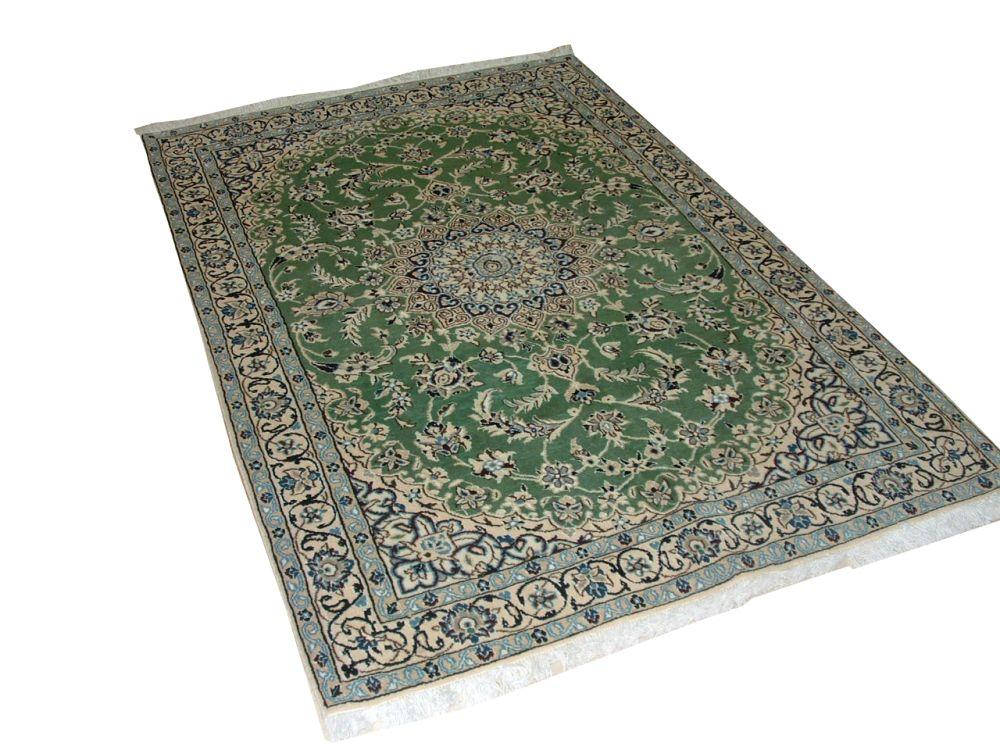 Tapis Persian Nain Laine et soie tissée à la main couleur Vert 5 Po.9 Pi. x 3 Po.8 Pi.