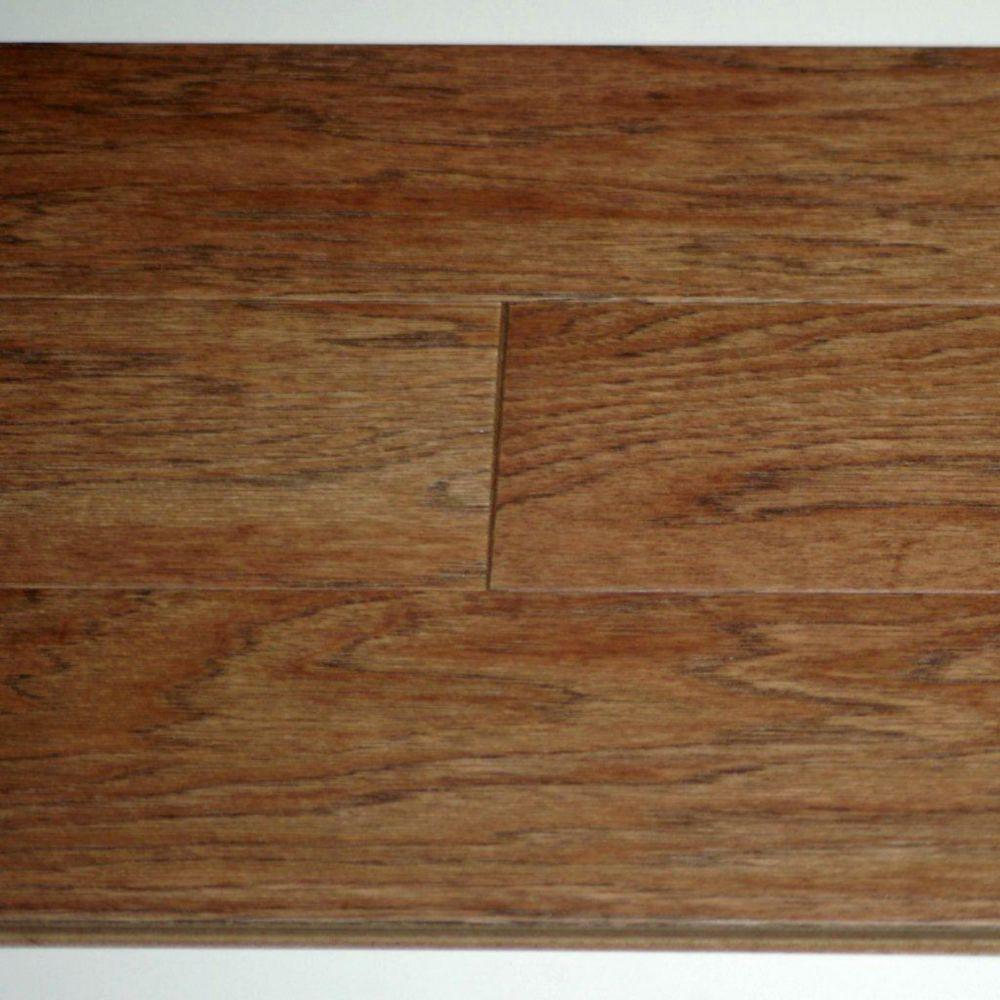 Plancher Hickory 3/8 x 5 Lisse - Brossé - Couleur Prairie (25.6  Pi. carré par caisse)