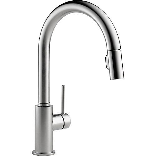 Trinsic Single-Handle Pull-Down Sprayer Kitchen Faucet in Arctic Stainless Featuring MagnaTite Docking