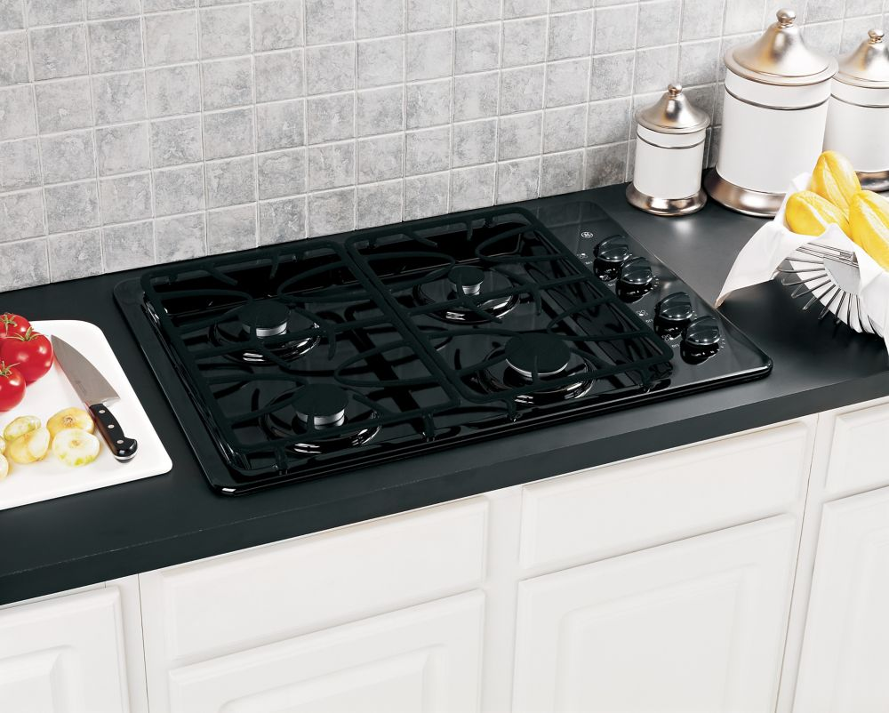30-inch Built-In Gas Cooktop in Black