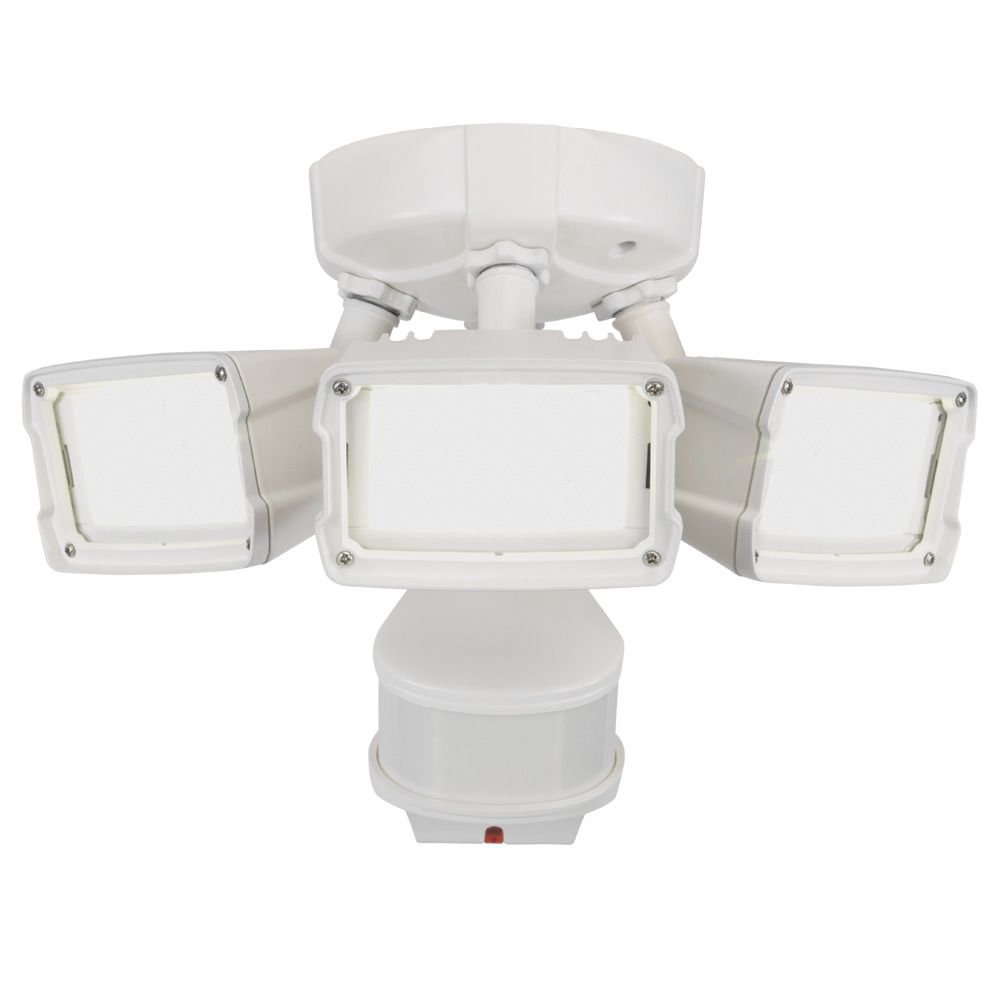 270° LED Triple Motion w Doppler Sensor, 2400 Lumens, 5000K, White