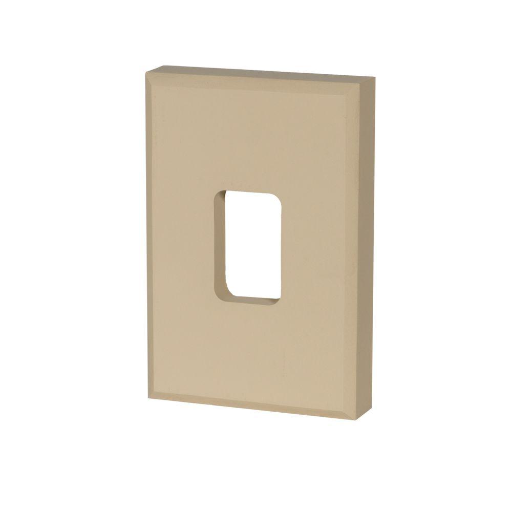 Dispositif de fixation en polyuréthane à texture de grain de bois non fini 8 po x 8 po x 2 po