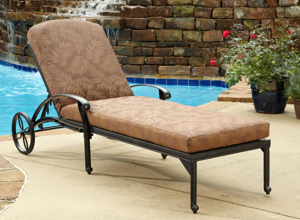 Chaise Lounge Chair W/ Cushion