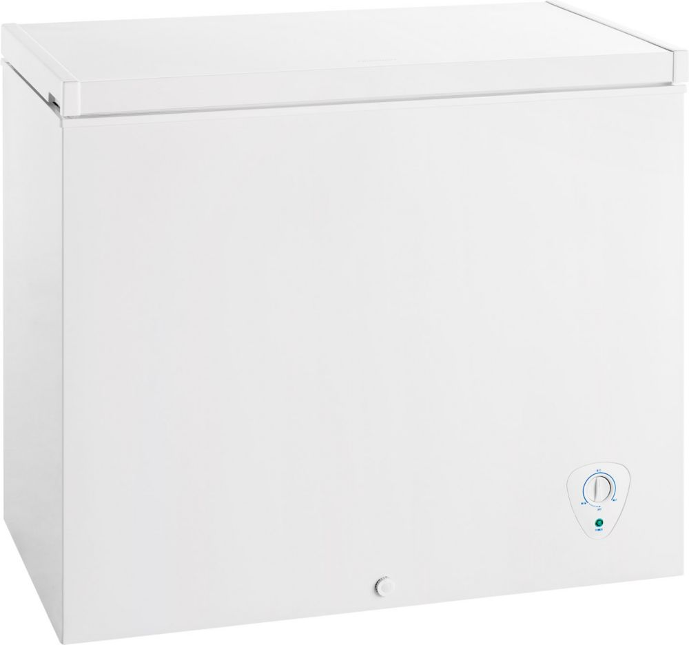 Congélateur-coffre compact à dégivrage manuel de 7 pi.cube - Blanc - FFFC07M1QW