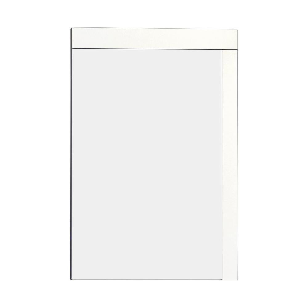 24 po. W x 32 po. H massif contreplaqué fini miroir avec un style moderne Mélamine Dans Fini Bril...