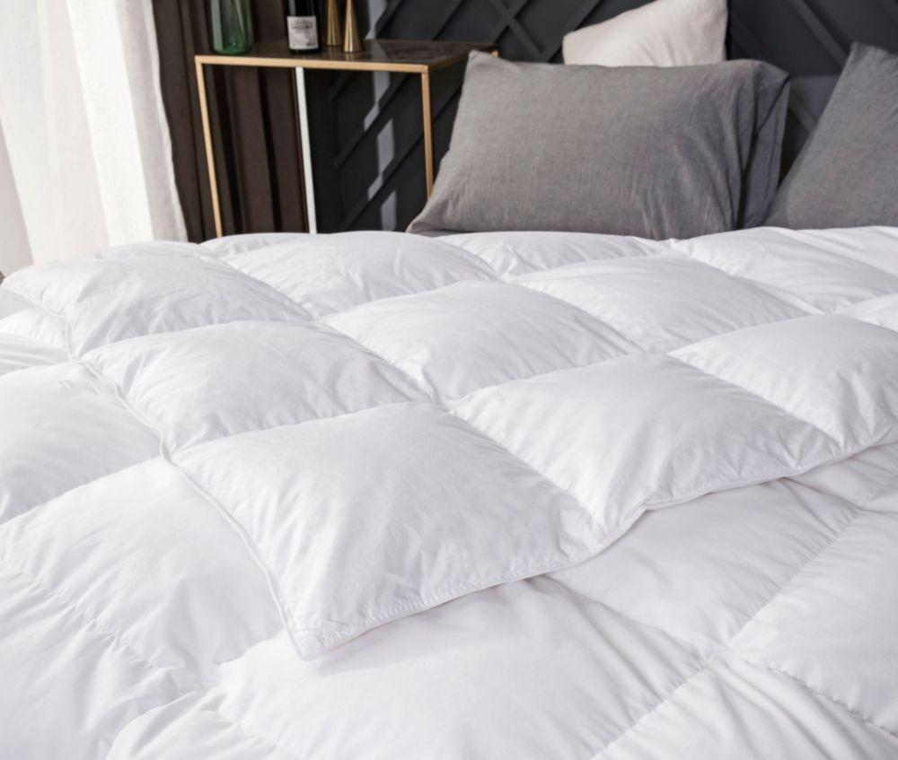 couette de plumes doie, très grand lit