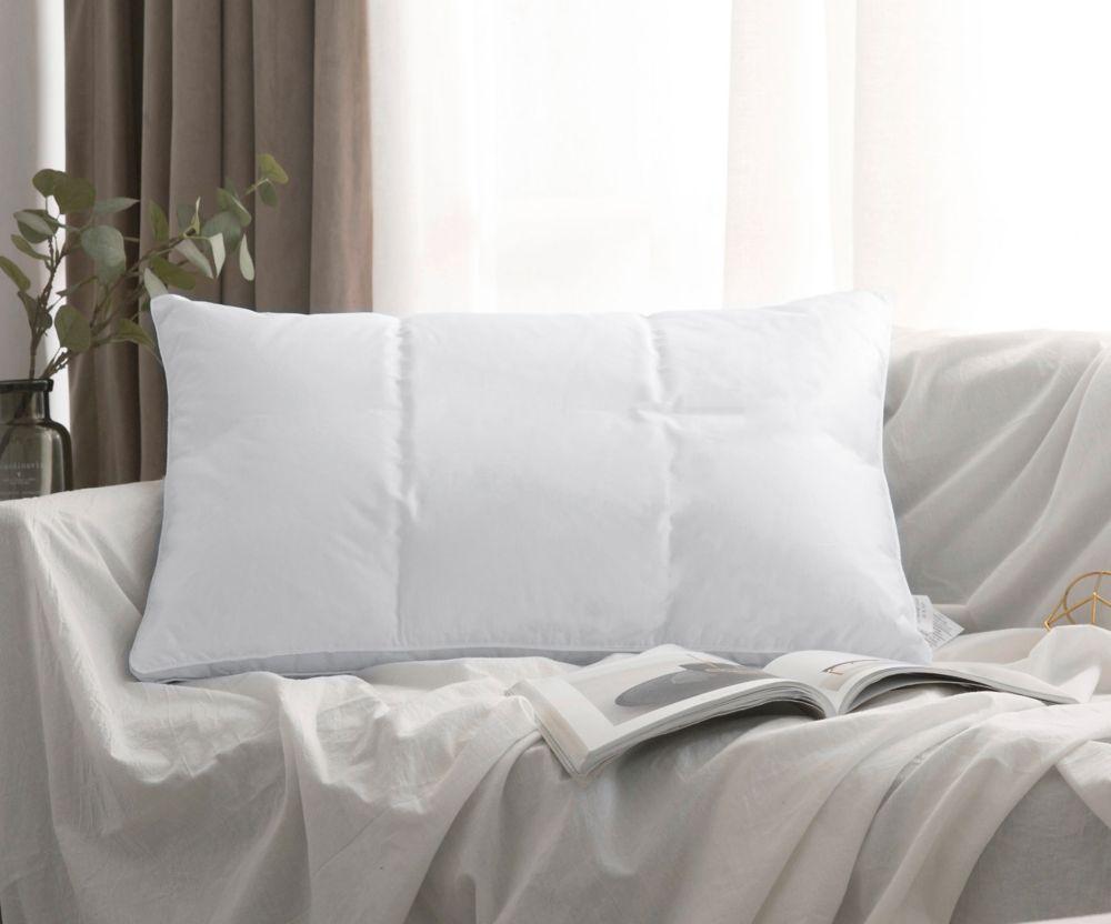 oreiller de duvet doie blanche avec finition passepoilée à coutures 2 aiguilles, format très gran...