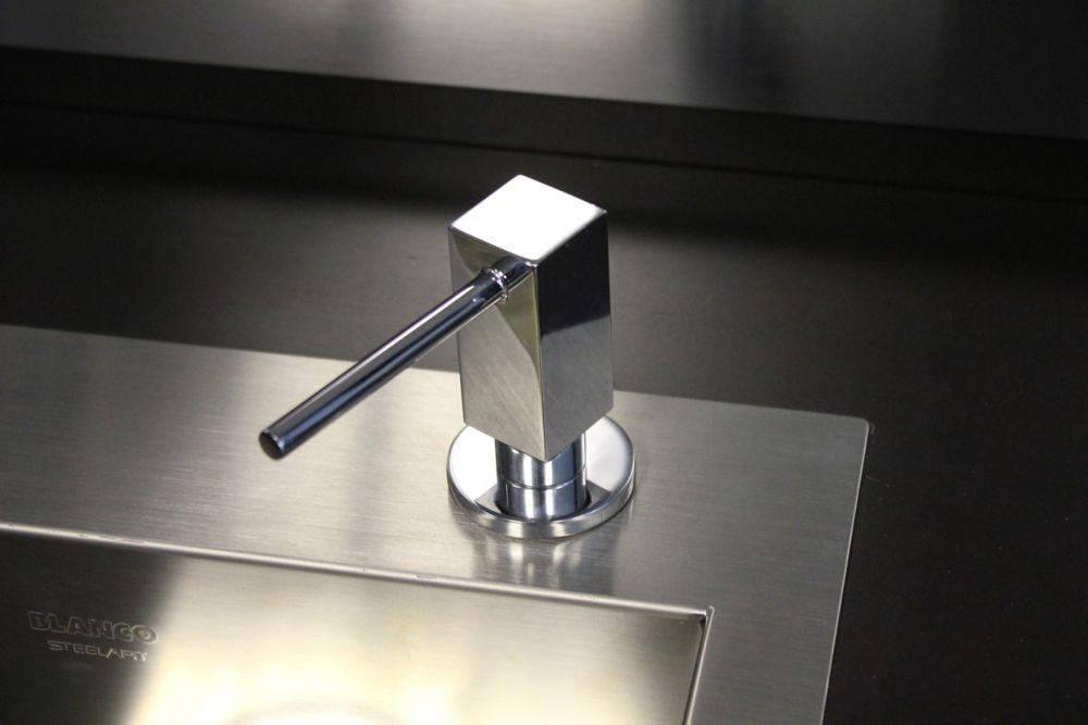 Quatris II, distributeur à savon, Chrome