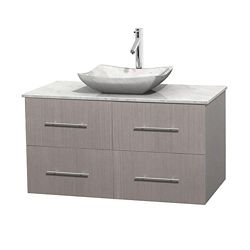 Wyndham Collection Meuble simple Centra 42 po. chêne gris, comptoir blanc Carrare, lavabo blanc Carrare, sans miroir