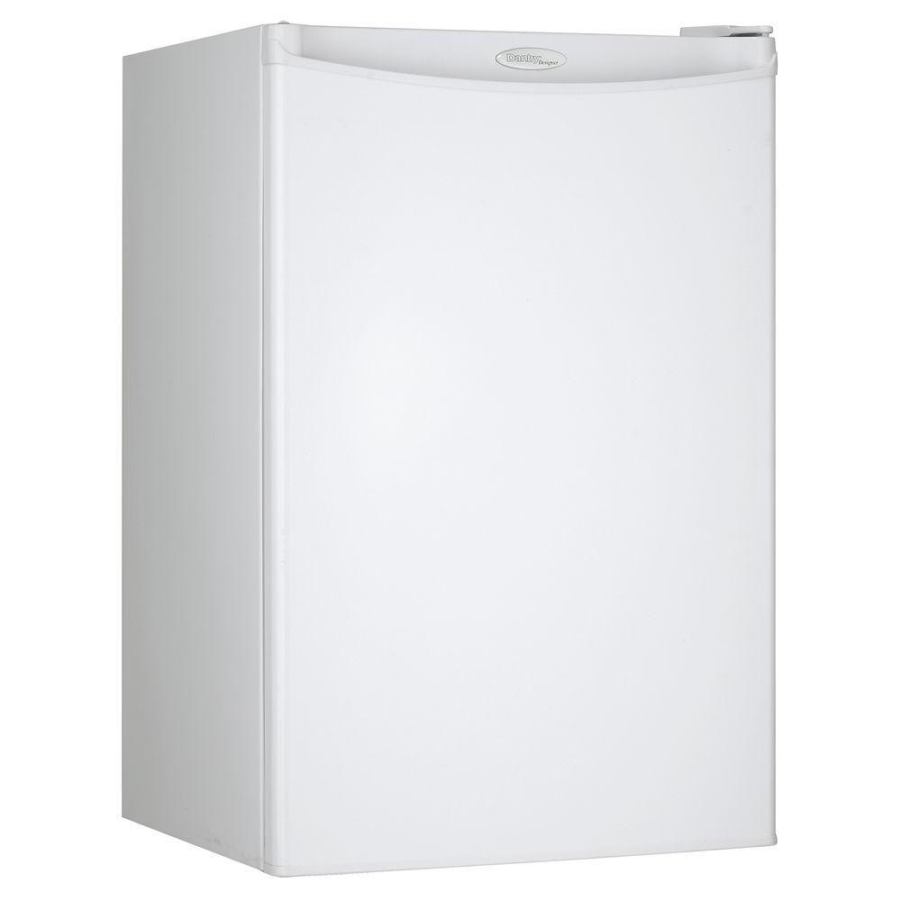 Designer 4.4 cu. ft. Compact Fridge in White (Energy Star<sup>®</sup>)