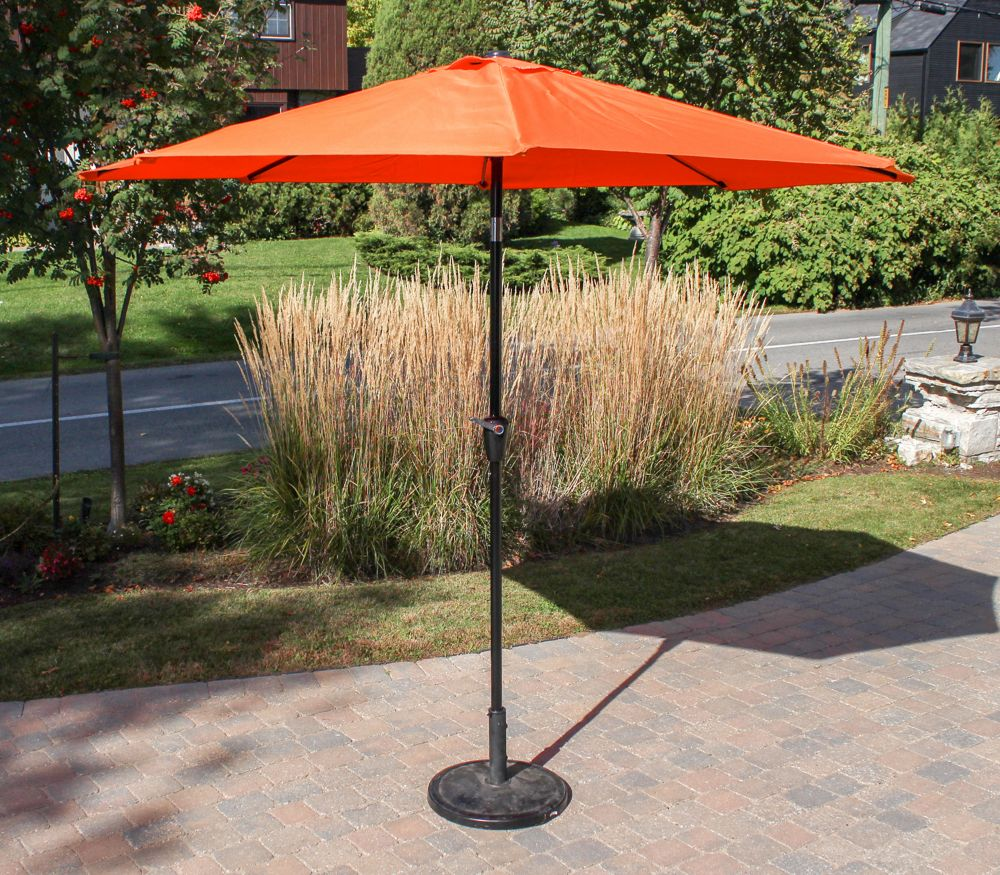 henryka parasol de marche de 9 pied orange home depot canada. Black Bedroom Furniture Sets. Home Design Ideas