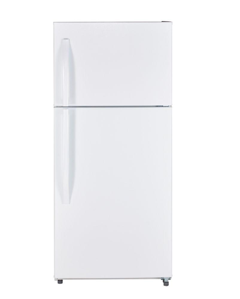 Moffat 18 Cu. Feet. Top-Freezer No-Frost Refrigerator
