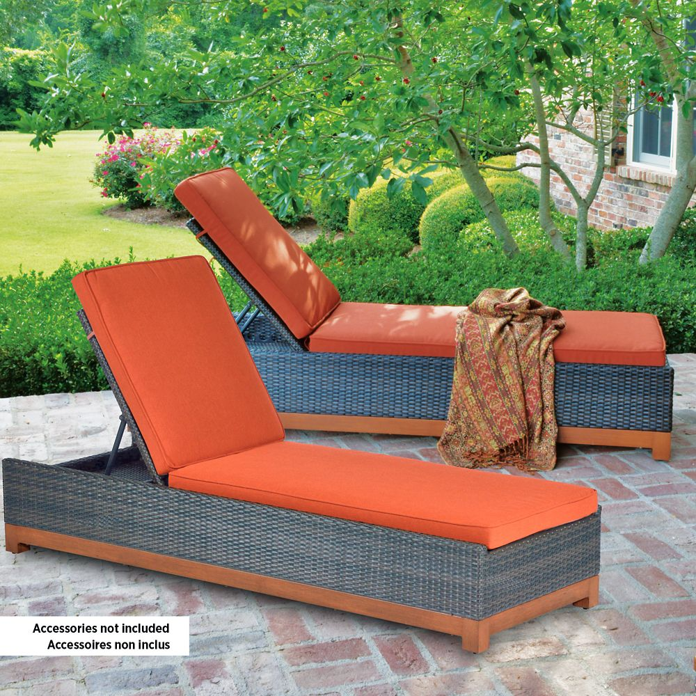 Foremost casual metropolitan chaise lounges the home for Chaise longue jardin brico depot