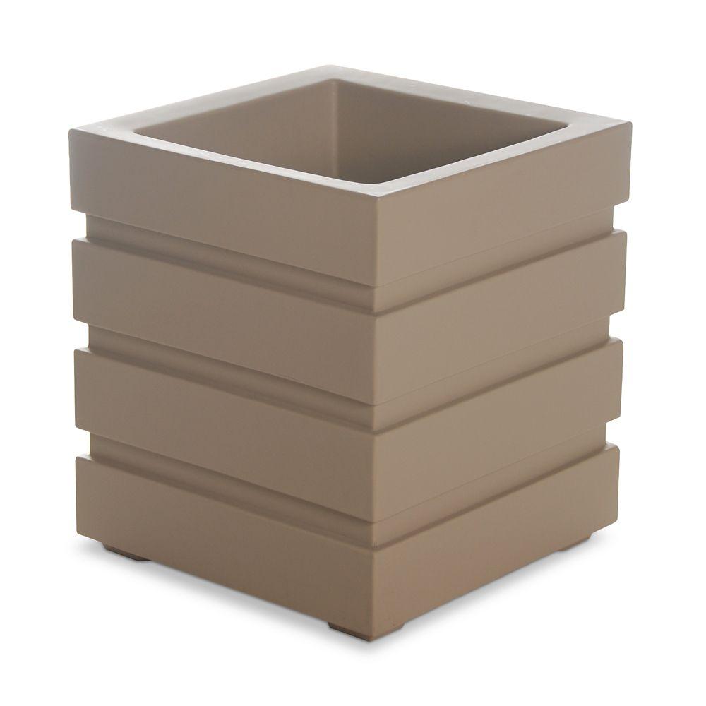 Freeport Patio Planter 18x18 Clay