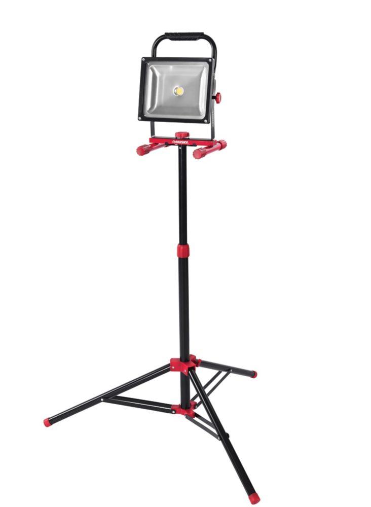 Husky 3500lm LED Worklight with Tripod