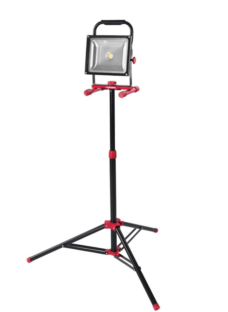 Husky 3500lm LED Worklight with Tripod