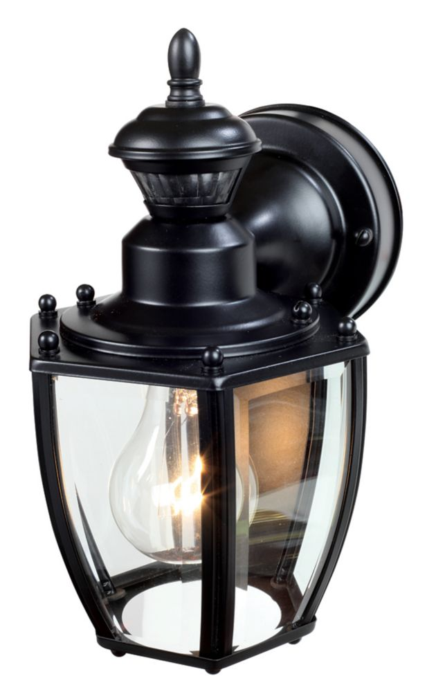 150 Degree Black Traditional Coach Lantern with Beveled Glass
