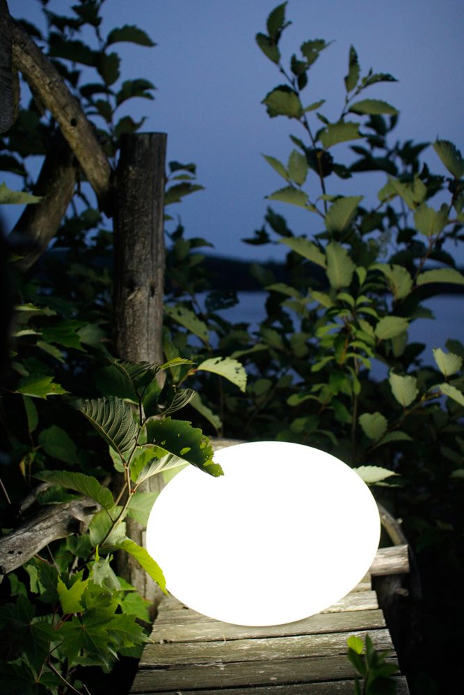 Flatball Outdoor Accent With Wireless LED Light