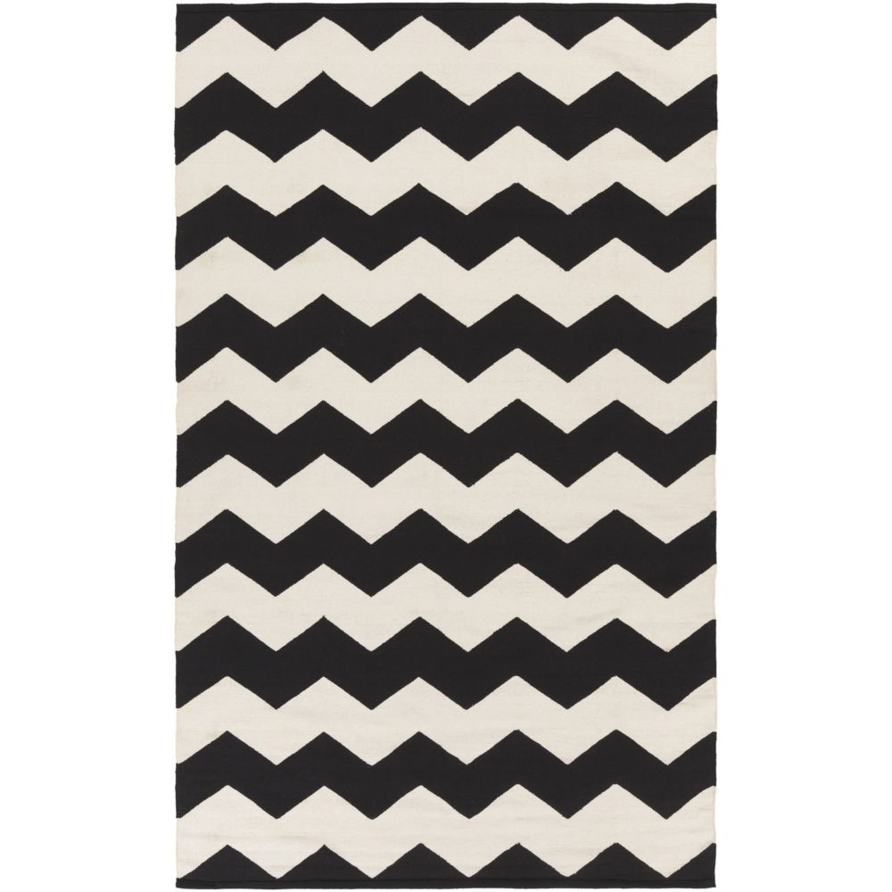Vogue Collins 5Feet  x 8Feet  Black/White