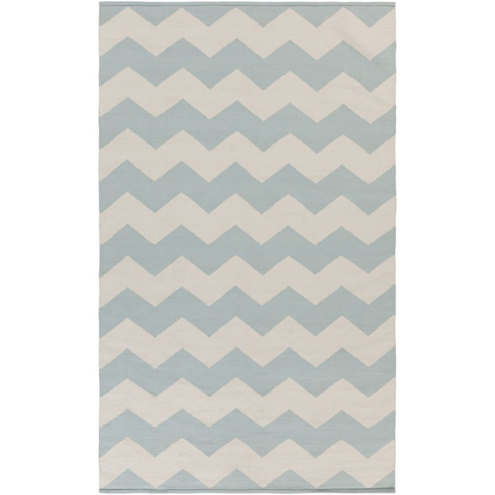 Vogue Collins 5Feet  x 8Feet  Light Blue/White