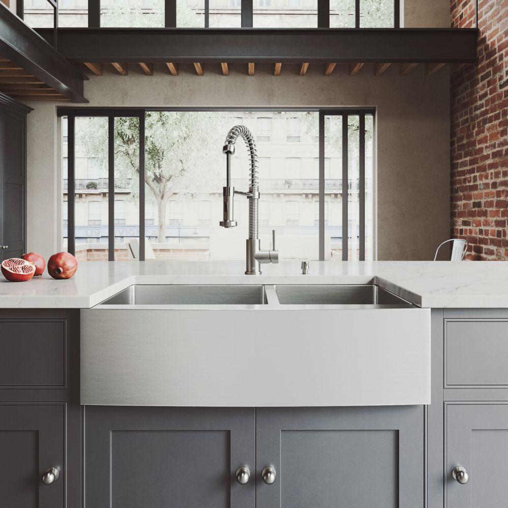 Evier, robinet, deux grilles, deux crépines et distributeur de savon Farmhouse en acier inoxydabl...