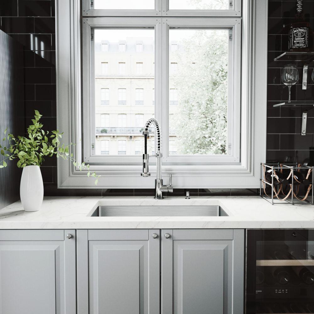 Evier, robinet, passoire, grille de fond et distributeur de savon Undermount en acier inoxydable
