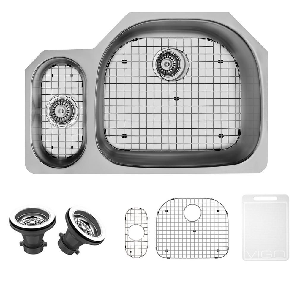 Stainless Steel Undermount Kitchen Sink Grid and Two Strainers 18 gauge 32 Inch VG3321RK1 Canada Discount