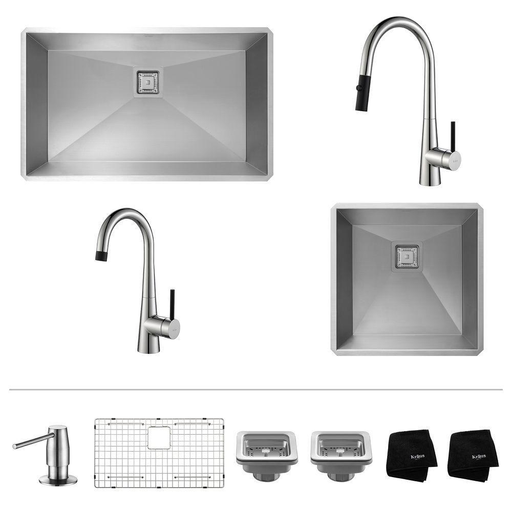 Évier de cuisine en acier inoxydable de  32 po et 19 po encastré avec robinet à bec rétractable e...