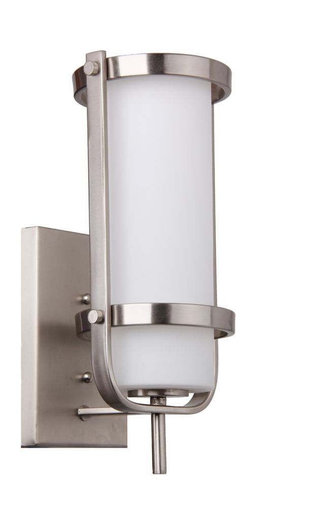 1 light Wall Sconce, Brushed Nickel Finish