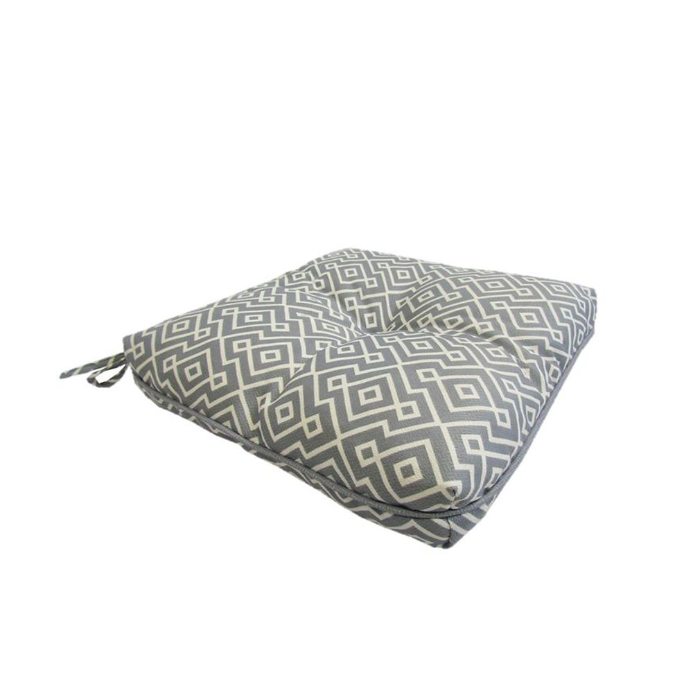 Seat Cushion With Piping