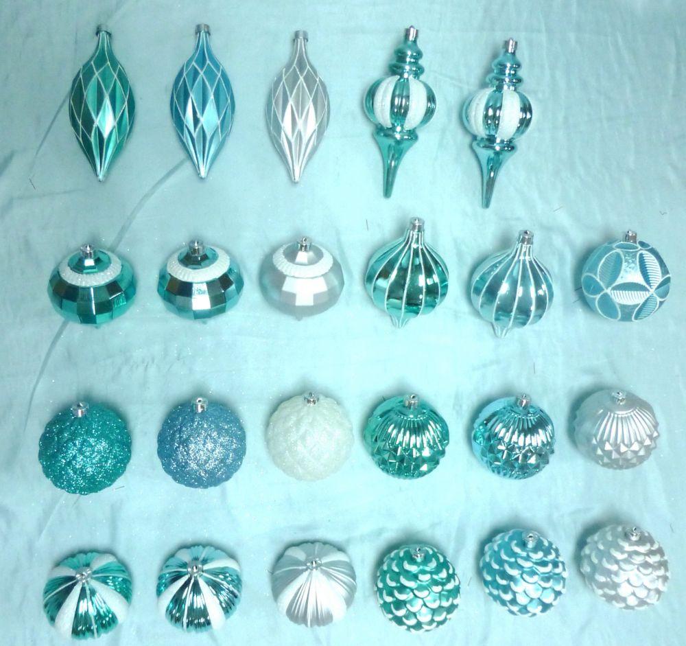 WW Dump Bin Of 130mm Ornaments
