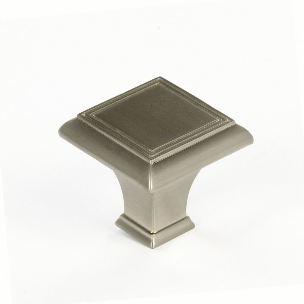 Richelieu Traditional Metal Knob  Brushed Nickel - Beauharnois Collection