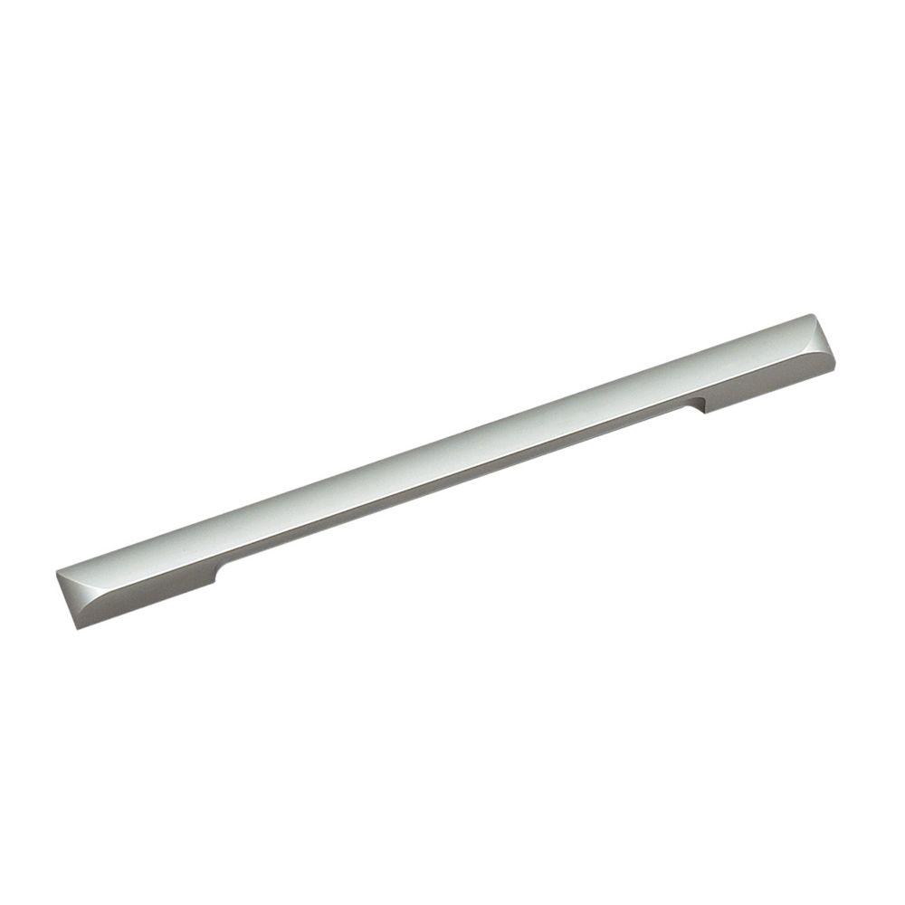 Richelieu Contemporary Aluminum Pull 8 13/16 in (224 mm) CtoC - Aluminum  - Messina Collection
