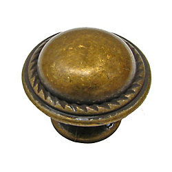 Richelieu Traditional Metal Knob 1 3/16 in (30 mm) Dia - Regency Brass - Méricourt Collection