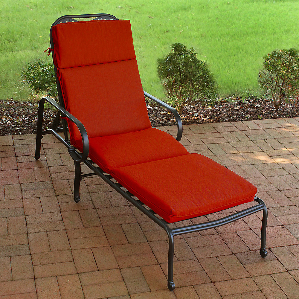 Chaise Patio Cushion in Sunvalley Red