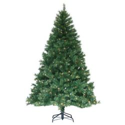 Henryka Christmas Tree with lights