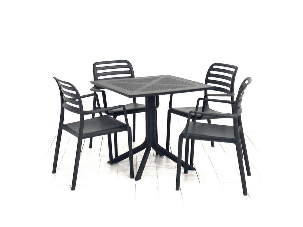 La table Nardi Clip (anthracite) et les 4 fauteuils Costa (anthracite)