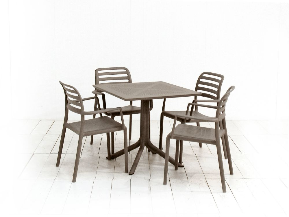 CLIP (31.5 x 31.5 Inch) Dining Table with 4 Costa Armchairs (Tortora)