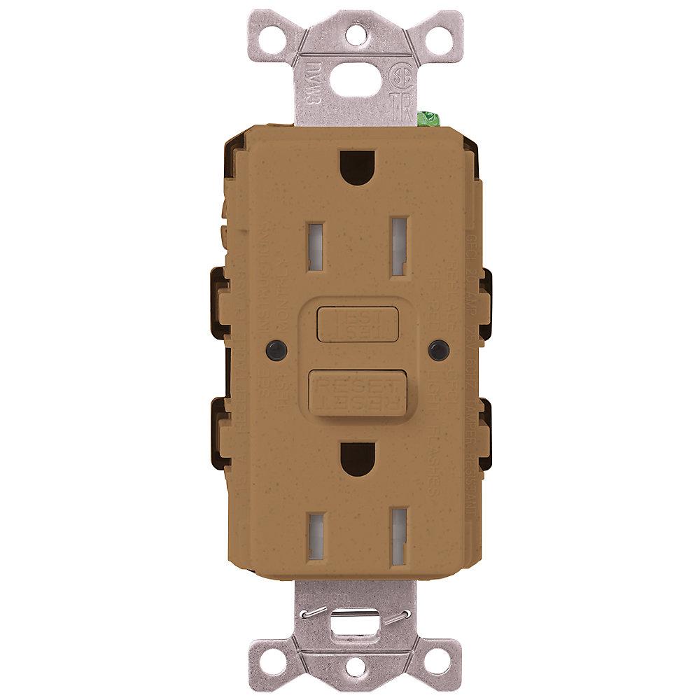 Prise de courant double GFCI Antisabotage, Claro 15 Ampères, Terracotta