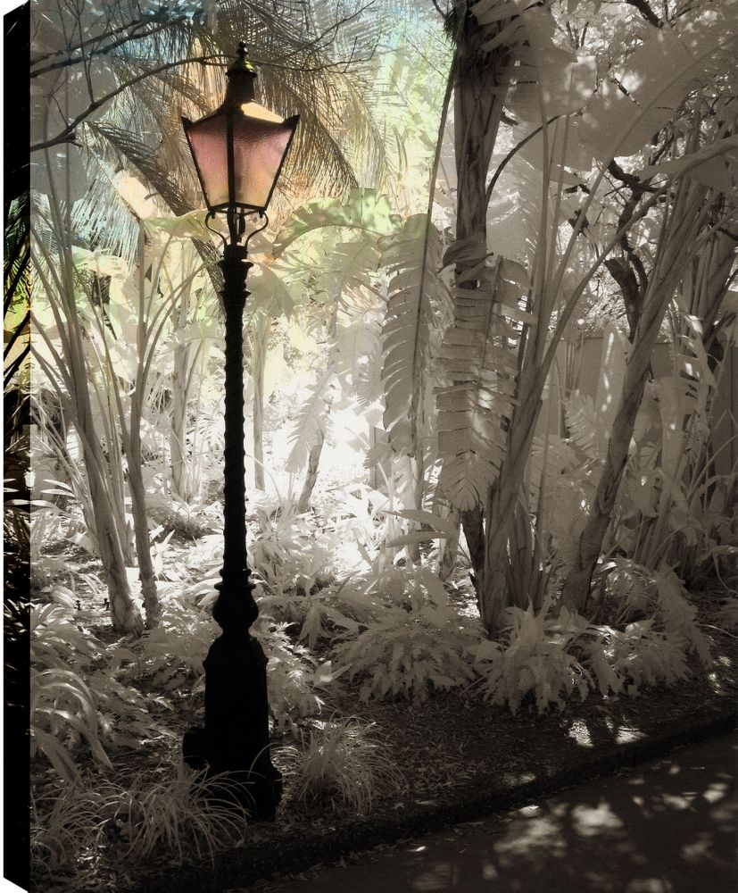 Street Lamps III' Photographic Print on Wrapped Canvas