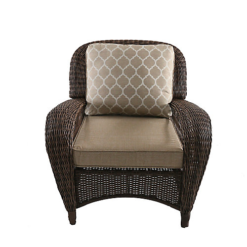 Beacon Park All-Weather Wicker Lounge Chair with Toffee Tan Reversible Cushion