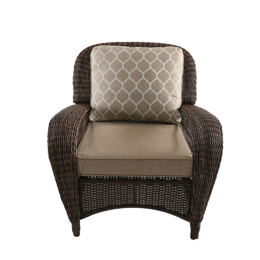 Hampton Bay Beacon Park Stationary Wicker Outdoor Patio Lounge Chair with Toffee Cushions
