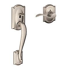 Système de poignée de porte d'entrée Camelot avec levier Interior Accent nickel satiné